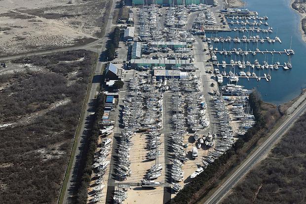 Port port napol on toutes les informations sur le port - Navy service port st louis du rhone ...