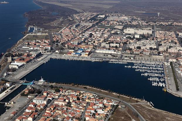 Port port saint louis du rh ne toutes les informations sur le port - Navy service port st louis du rhone ...