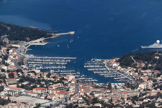 Port saint mandrier sur mer toutes les informations sur le port - Office de tourisme saint mandrier ...