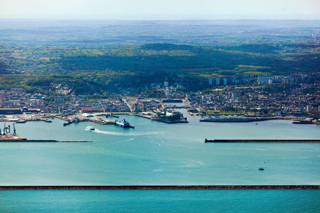 port cherbourg en cotentin port chantereyne toutes les informations sur le port. Black Bedroom Furniture Sets. Home Design Ideas