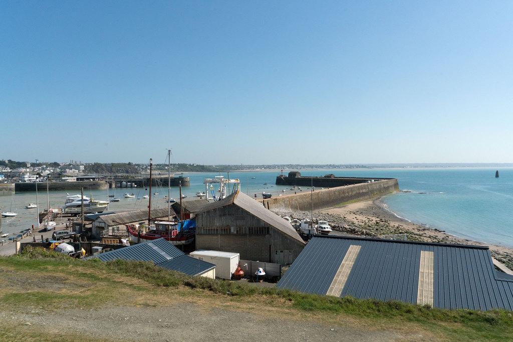 Port h rel granville toutes les informations sur le port - Meteo marine port camargue saint raphael ...