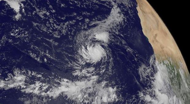 Irma est devenue un ouragan de catégorie 3 dans l'Atlantique oriental