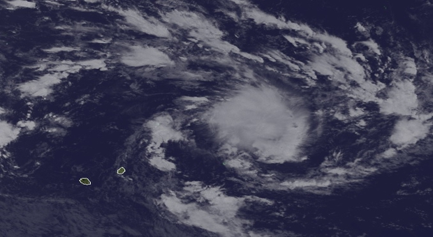 Cyclone: Rodrigues en alerte I, Maurice sous les nuages