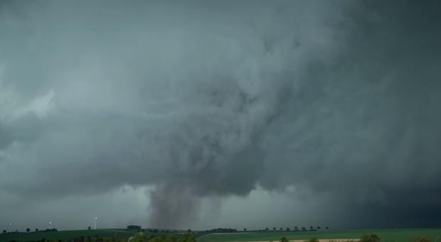 Une mini-tornade ravage trois villages — Marne
