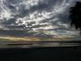 Un manteau de nuages sur la mer
