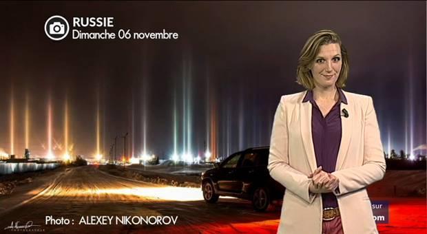 Vidéo Incroyables piliers de lumière en Russie