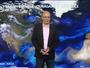 Spectaculaire animation satellite des fumées, sables et ouragans